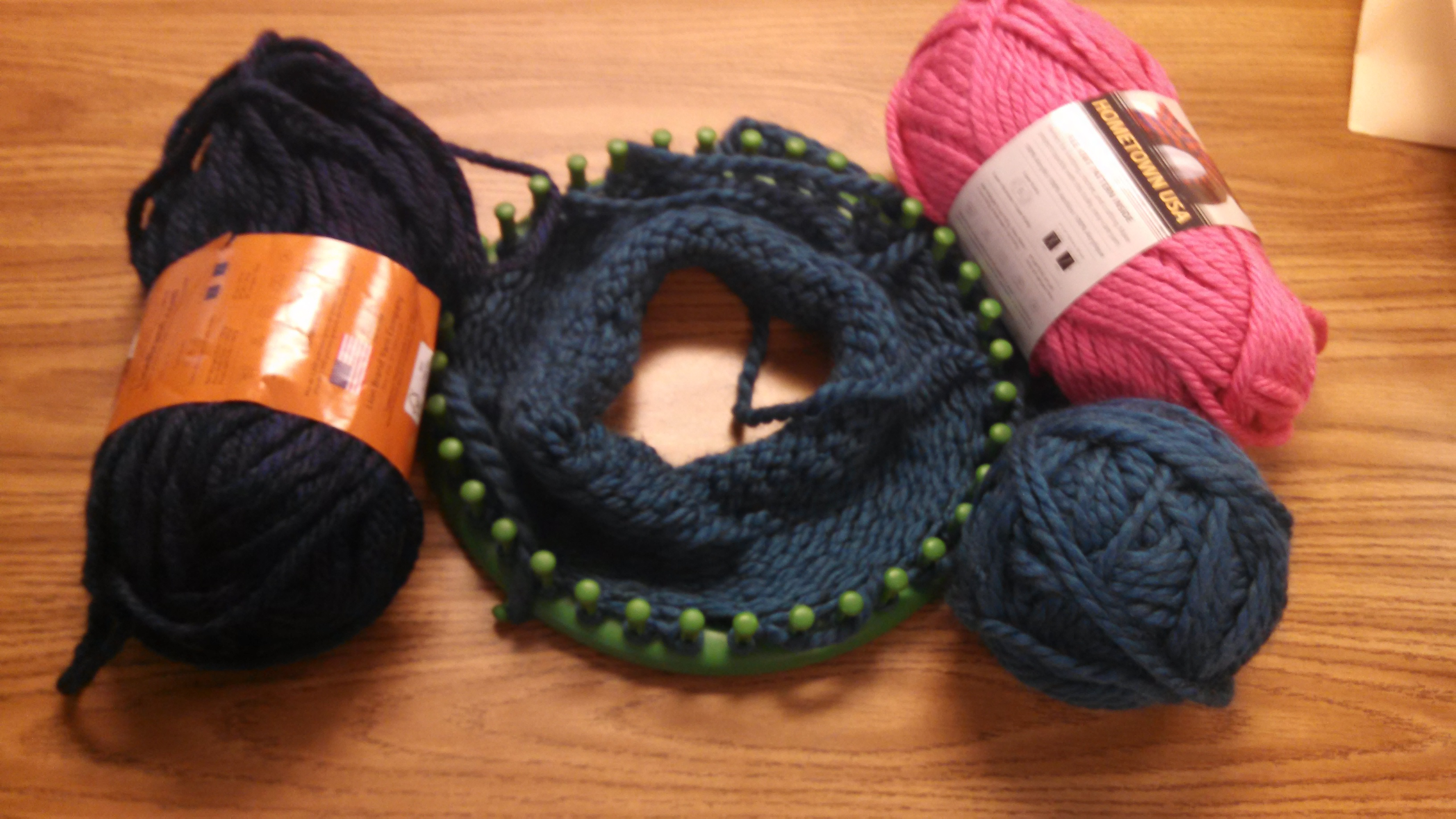 Yarn and a loom for cap making
