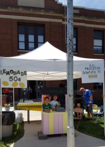 Belle Lemonade Stand